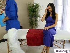 Big tits client Jasmine Jae sucks and pounded by her masseur