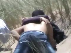 Voyeur caught a tourist couple's fuck