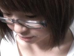 Japanese teen amateur downblouse nip slip