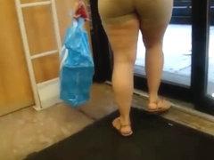 Big ass thick latina milf