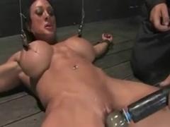 Bodybuilder in bondage!