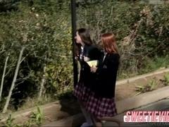Girlfriends Casey offers hot scissor sex with Pepper
