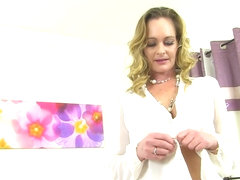 English milf Caz kicks her masturbation habits up a not
