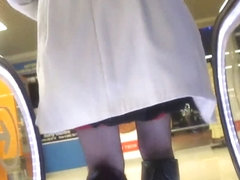 Black leather boots and red tops stockings escalator upskirt