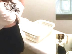 Japanese sex vid shows a masseuse giving a handjob