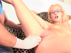 Young girl Cassandra uses a gigantic sex toy for wild stimulations