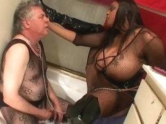 EliteSmothering Video: Carmen is one tough mistress