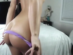 Horny Teen Is Dildoing Her Juicy Ass