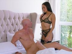 VIXEN An Irresistible Assistant Fufills Her Fantasy