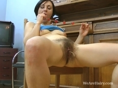 Kristy acquires lewd whilst cleaning