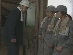 Prison girls escape 1