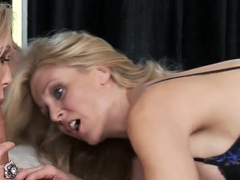 Tho blondes Brandi Love and Julia Ann get nailed rough