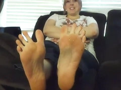 Momm friends feet