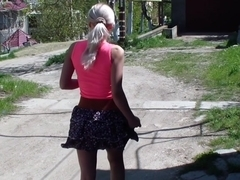 Blond pets snatch and does dilettante oral-stimulation sex in the street