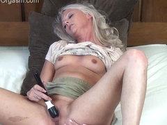 The Female Orgasm: Layla Pink Upskirt