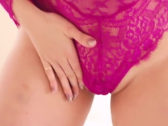 Cute chick Samantha Saint strokes clit and fingers deep to get the high point