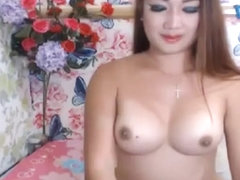 Seductive Tranny Masturbating on Cam