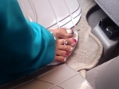 Feet in car