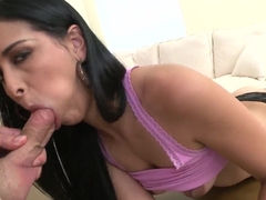 Latina Bebe Mendes does blowjob in pov