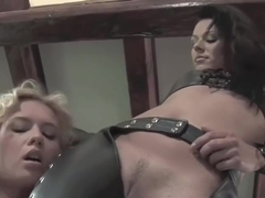 Sexy Lesbian Strapon Action!!!!!!!