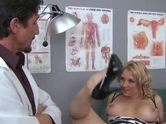 Thick blonde Sarah Vandella seduces her doctor Tommy Gunn