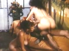 Hottest facial classic video with Birgit Zamulo and Marie-France Morel