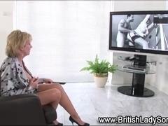 Mature british diva masturbates
