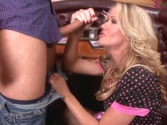 Milfs Like it Big: Milfshake