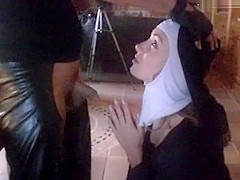 Exorcism nun, the devil is ausgefickt