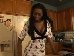 Hoirny Ebony Mom