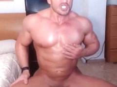Jacked stud fires up his webcam for a jerk show