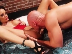 Alektra Blue gets a hot cunnilingus and sucks a dick