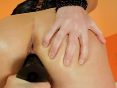 Kathia Nobili demonstrates a first-class blowjob