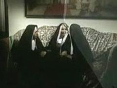Suore a cui piace il Sesso. 2. Film Intero Italiano.