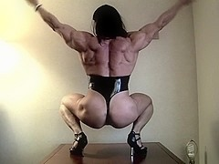 Jana Linke-Sippl - Latex Muscle