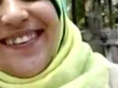 Arab slut sucks and fucks in my amateur couple porn