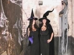 Huge-Boobs Bbw-party at halloween