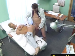 Czech amateur patient railed by the doctor