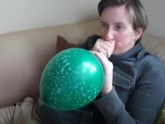 Blow to pop 16 balloon - crystal green chinese