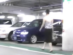 Walking down the indoor parking lot and top sharking video