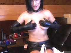 Livecam Latex Bianca Ties Her Tits & Fists Her Ass - KinkyFrenchies