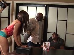 grande nero uomini avendo sesso