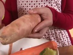 Girls Out West Amateur orgasm with a cucumber