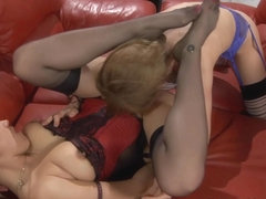 LickNylons Movie: Rosa and Susanna