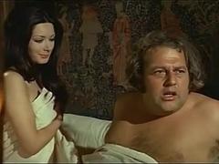 Edwige Fenech,Eva Garden in Quando Le Donne Si Chiamavano 'Madonne' (1972)