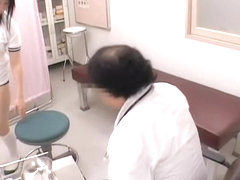 Sexy asian cunt fingered by the doctor in real gyno video