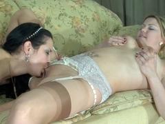 LadiesKissLadies Clip: Megan and Mabel