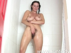 Sexy Mother I'd Like To Fuck is preparing herself for a night out