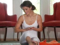 Dirty Masseur: Stretch Pants And Pulling Groins