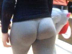 Big butt in black tights
